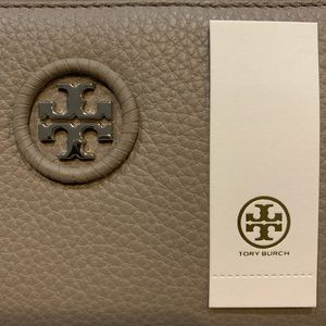 NEW! Tory Burch Whipstitch Logo Continental Wallet
